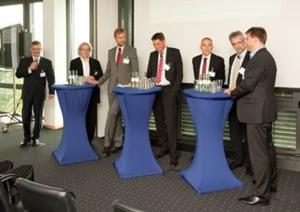 v.l.n.r.: Dr. Gerd Leutner, Prof. Dr. Andreas Knie, Dr. Hartmut Kühne, Dr. Oliver Weinmann, Dr. Frank-Peter Schiefelbein, Prof. Dr. Wolfgang Steiger und Knut Hechtfischer