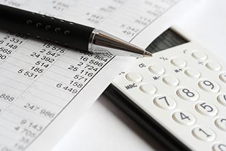finance impôt fiscalité stylo calculatrice 330x220