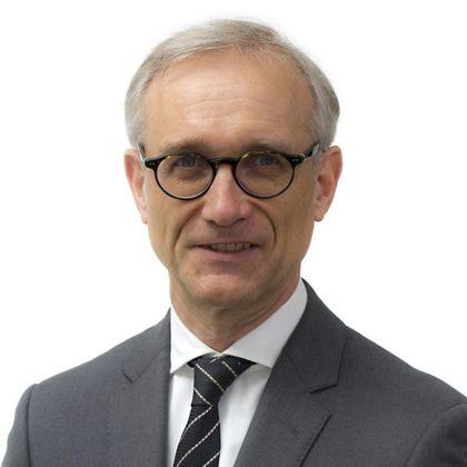 Portrait of Michael Bauer
