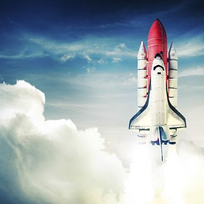 space shuttle starting into space odyssee