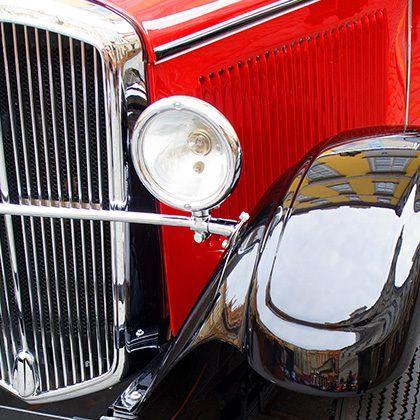 polished vintage red car: фотография