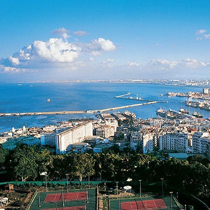 overview harbour of algiers
