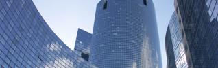 Immeuble bleu building La Défense Paris header 925x290