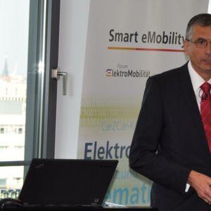 Erich Nickel, IBM Deutschland GmbH